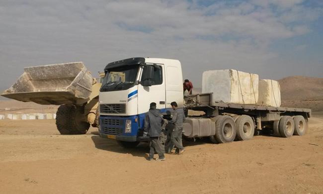 حمل و نقل سنگهای ساختمانی